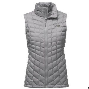 The northface women's thermos ball grey matte vest